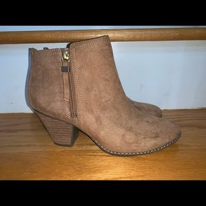 New Dr. Scholl's Size 10M Ankle Boots
